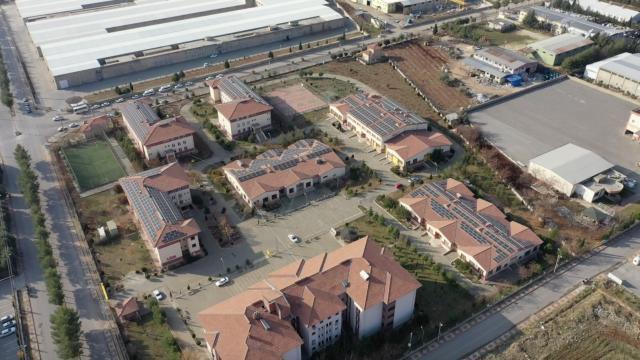 Adıyamanda okul çatıları güneş tarlası oluyor