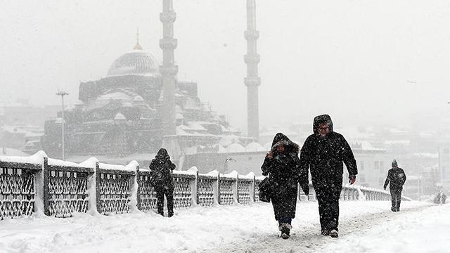 İstanbul ve Ankara için kuvvetli kar uyarısı