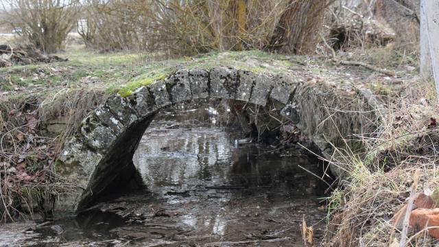 Dere ıslah çalışması sırasında tarihi köprü ortaya çıktı