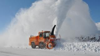 Karla mücadelede turuncu ekipler iş başında
