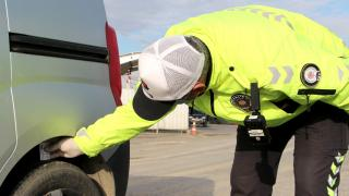 81 ilde kış lastiği denetimi: 388 araç trafikten men edildi