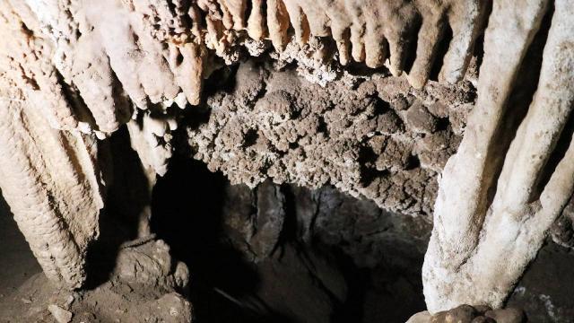 Pamukkalede beyaz traverten oluşumlu mağara keşfedildi