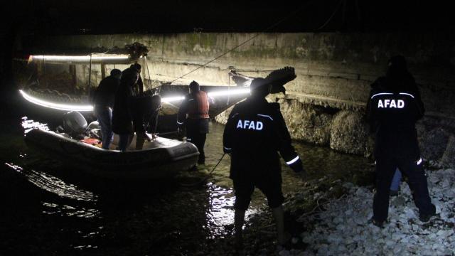 Sapanca Gölünde mahsur kalan 5 kişi kurtarıldı