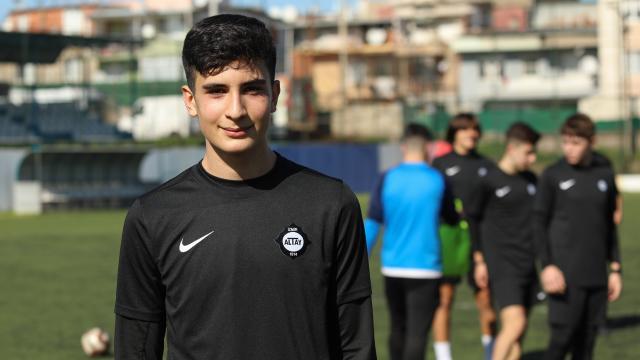 Şehit Fethi Sekinin futbolcu oğlunun gönlünde Galatasaray var
