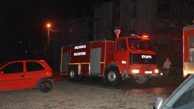 Düzcede apartman yangını: 3 kişi hastaneye kaldırıldı