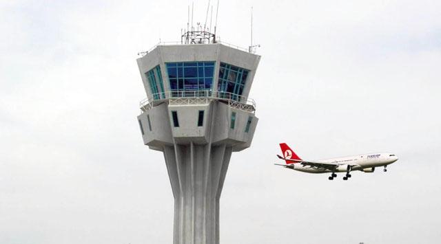 Trabzon'da uçak seferleri yoğun kar yağışı nedeniyle iptal edildi