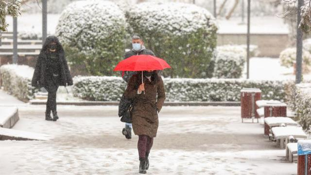 Ankarada kar yağışı etkisini artırdı
