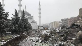 Ankara'da inşaat sahasında bulunan kemikler müze yetkililerine teslim edildi