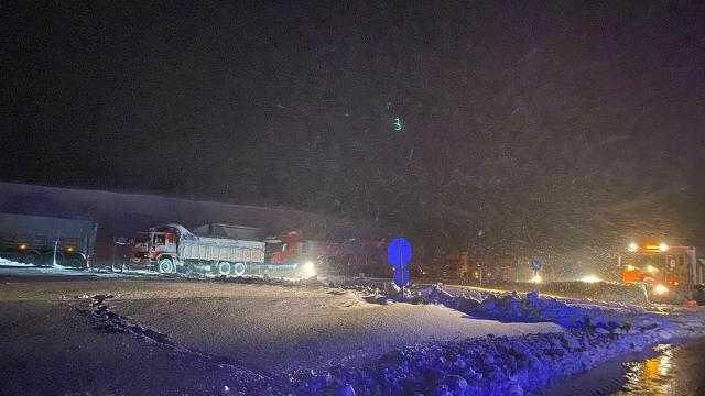 Balıkesir-Susurluk kara yolu ağır taşıt geçişine kapatıldı