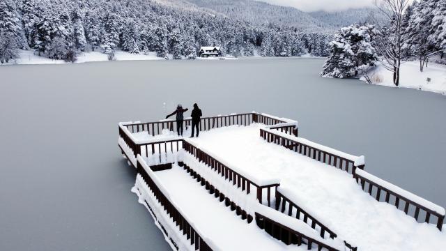Gölcük kar manzarasıyla hayranlık uyandırıyor