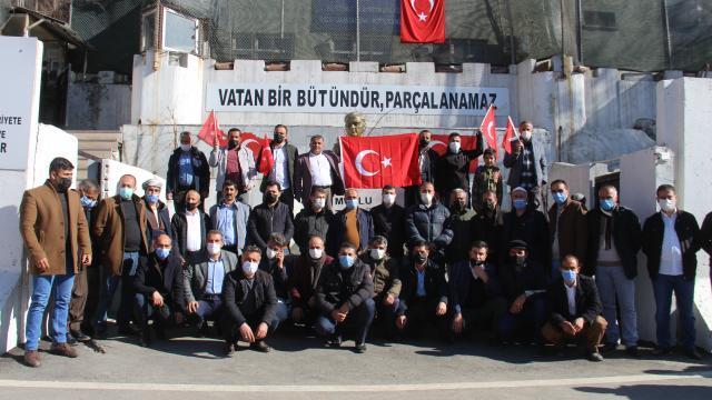 Hakkaride, 13 Türk vatandaşının şehit edilmesine tepki gösterildi