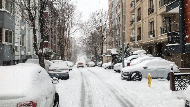 İstanbulda kar etkisini artırdı