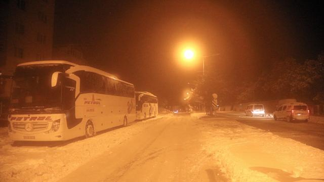 Kar yağışı nedeniyle Malatya-Kayseri kara yolunda ulaşımda aksamalar yaşandı