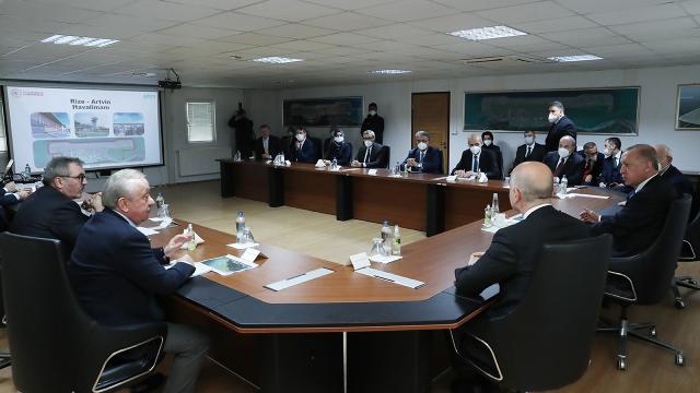 Cumhurbaşkanı Erdoğan, Rize-Artvin Havalimanı inşaatıyla ilgili bilgi aldı