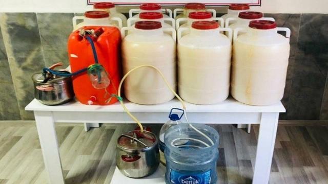 Mersinde 485 litre sahte içki ele geçirildi: 2 gözaltı