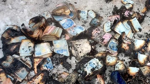 Kocaelide prefabrik evde yangın: Para ve altınlar kullanılamaz hale geldi
