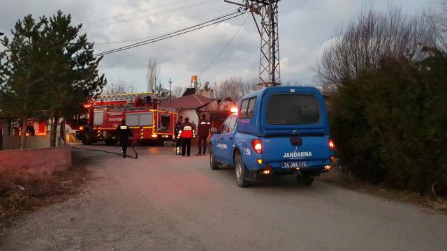Erzincanda bir evin kalorifer kazanında yangın çıktı