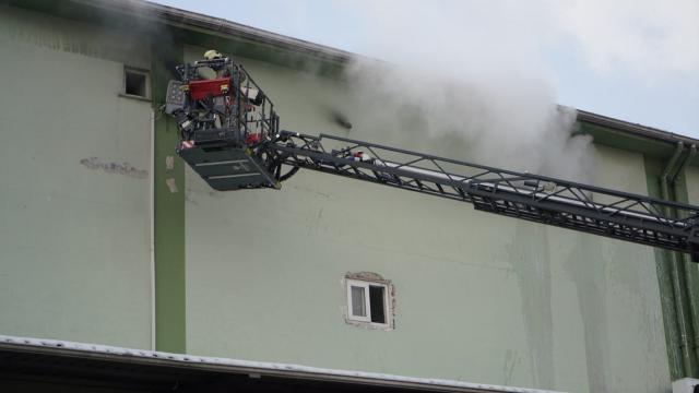 İstanbulda sebze-meyve halinde yangın