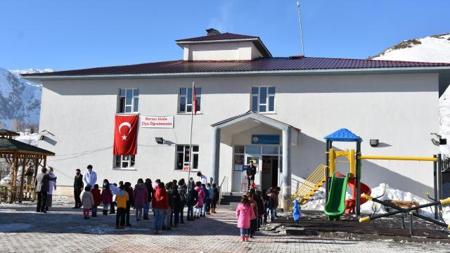 Van Bitlis, Muş ve Hakkaride okullar yüz yüze eğitime başladı