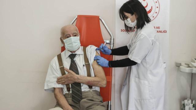 Bakımevlerinde 2nci doz aşı uygulanması başladı