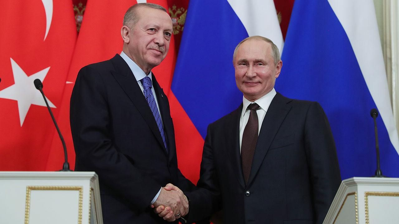 İki lider ilişkileri ve bölgesel konuları görüştü