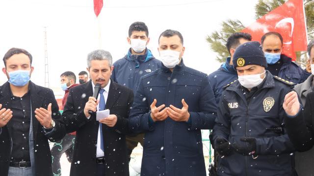 Garada 13 Türk vatandaşının şehit edilmesine Vanda tepki gösterildi