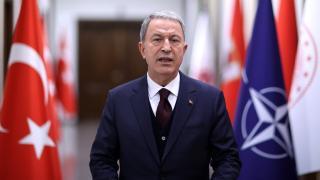 Bakan Akar: Türkiye terörle mücadelede yalnız bırakıldı