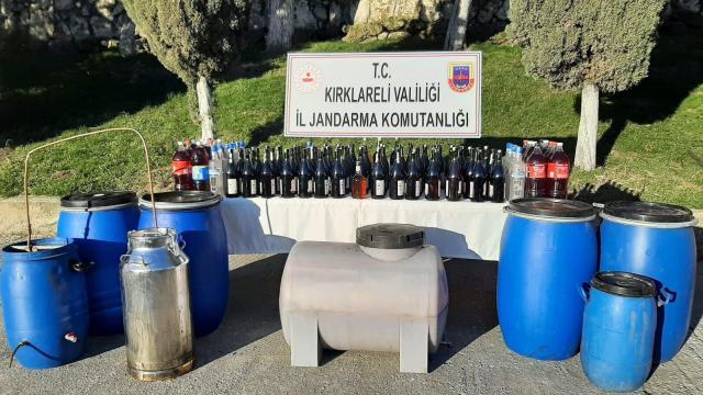 Kırklarelinde 898 litre kaçak içki ele geçirildi: 2 gözaltı