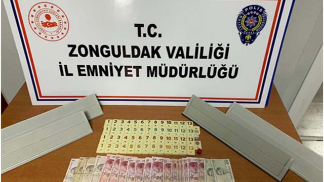 Zonguldakta kumar oynanan ruhsatsız kahvehanedeki 10 kişiye 20 bin lira ceza kesildi