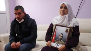 Gara şehidi Sungur'un annesi: Bu bayrak bizim bayrağımızdır