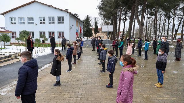 İstanbulda köy okullarında yüz yüze eğitim başladı