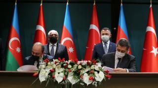 Bakan Selçuk, Türkiye-Azerbaycan Mesleki Eğitim Kurumunun imzasını attıklarını duyurdu