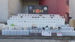 Adana'da 1 ton 323 litre etil alkol ele geçirildi
