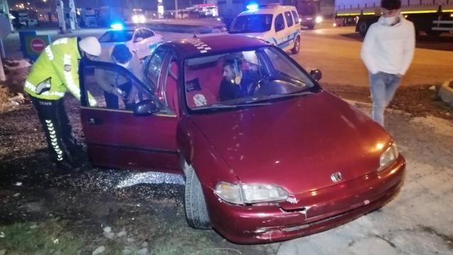 Ehliyetsiz ve alkollü sürücü plakasız ve trafikten men araçla yakalandı