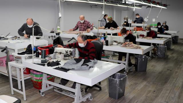 Safranboluda üretilen deri kıyafetler, dünyanın dört bir yanına gönderiliyor