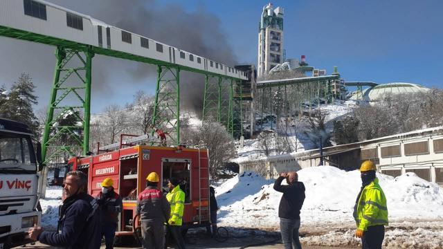 Düzcede çimento fabrikasında yangın