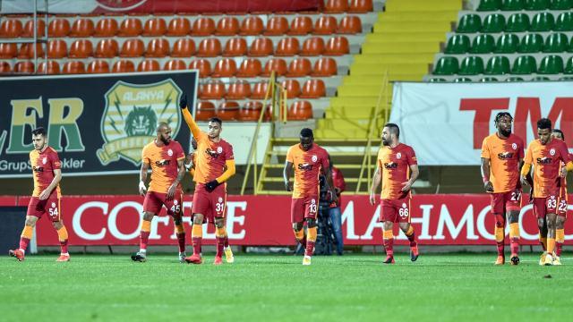 Galatasaray savunmasıyla zirvede