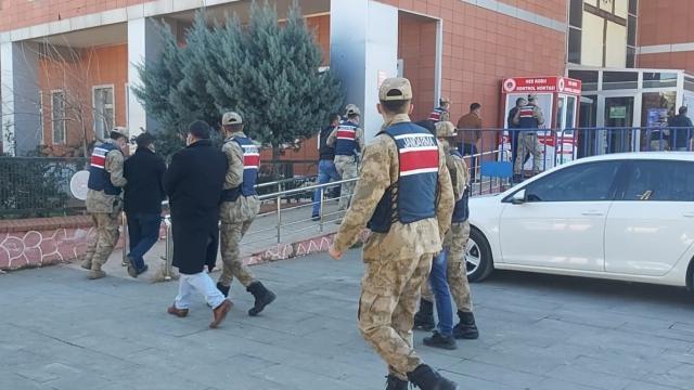 Gaziantepte bağ evinde uyuşturucu kullanan 7 şüpheli yakalandı