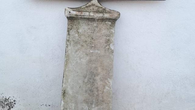 Çanakkalede Antik Yunana ait mezar steli ele geçirildi