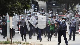 Myanmar'da protestolarda hayatını kaybedenlerin sayısı 7'ye yükseldi