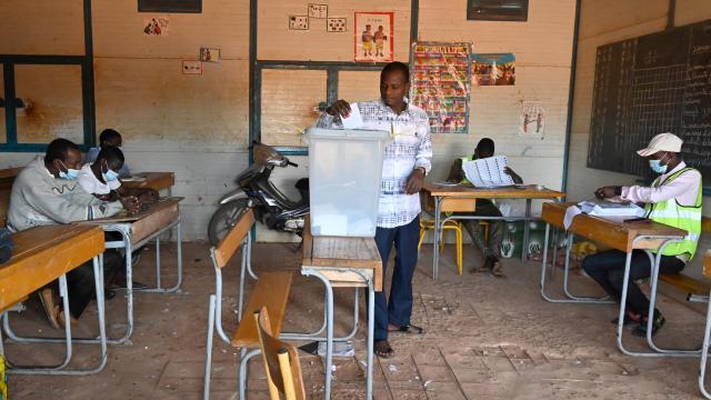 Nijerde cumhurbaşkanlığı seçimlerinin ikinci turu yapılıyor