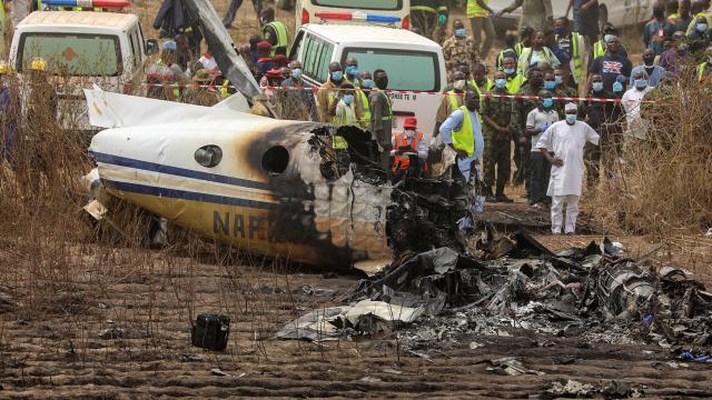 Nijeryada askeri uçak düştü: 7 ölü