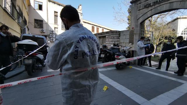Fatihte 2 kişi silahla yaralandı