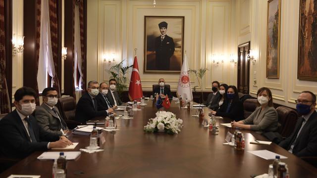 Adalet Bakanı Gül, Meyer-Landrut ile görüştü