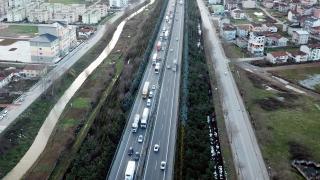TEM'de zincirleme kaza trafiği aksattı