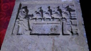 Balıkesir'de 2 bin yıllık mezar taşı ele geçirildi