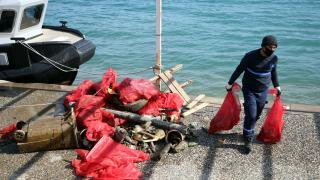 Bodrum'da denizden yarım ton atık toplandı
