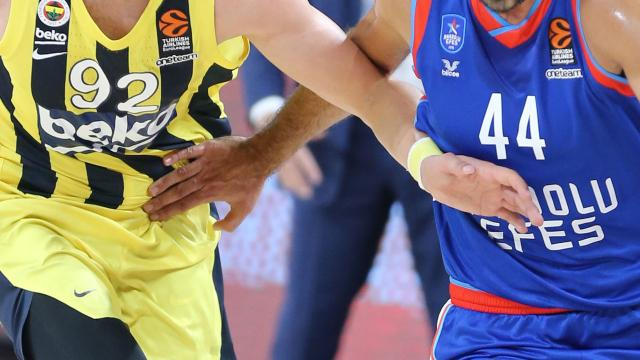 Fenerbahçe Beko-Anadolu Efes maçına koronavirüs engeli