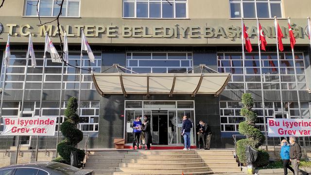 İstanbul Maltepe Belediyesinde işçiler greve başladı