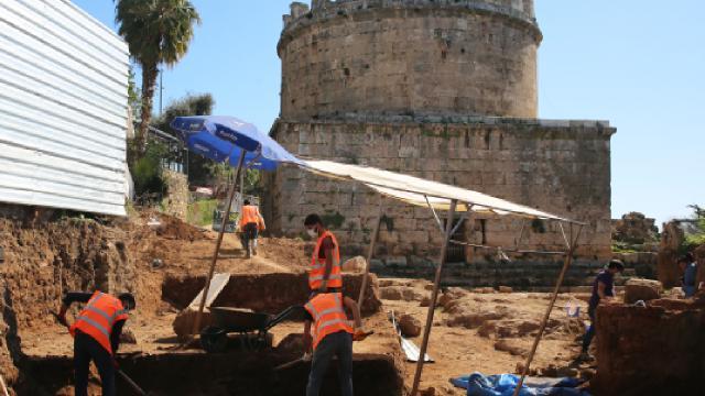 Antalyada Roma hamam kalıntıları bulundu